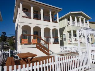 New Vacation Rental house 2  short blocks to the Rio Del Mar Beach