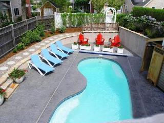 Pool with enclosed outdoor shower - 14 Hallett Lane Chatham Cape Cod New England Vacation Rentals