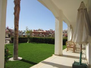 LUXURY 1BD SUITE WITH GARDEN (VILLA 8B1)