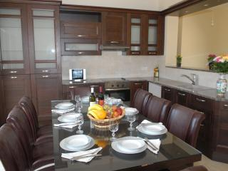 Villa Rania - Dining Area and Kitchen upstairs