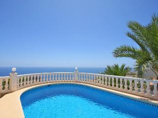 VILLA PANORAMA: stunning sea views, aircondition, Moraira