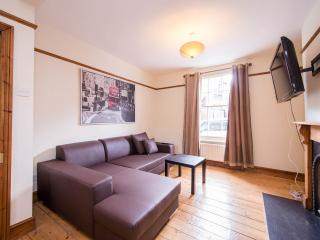Stunning 3 bedroom House W12 Close to Central  London and Westfiend W12