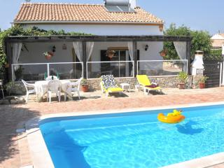 The most refreshing villa in the area!
