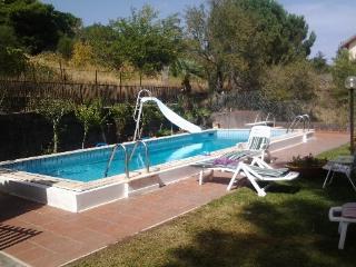 Appartamento famiglia con pineta, piscina