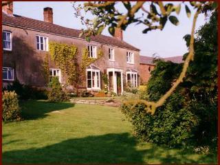 Hampton House Farm Bed & Breakfast, Malpas