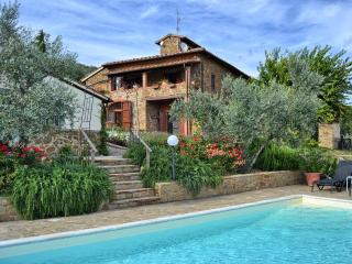 Tuscan villa sleeps 8 + 1 solar heated pool Views