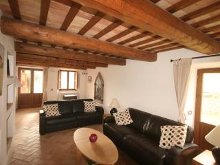 Casa Corviello - A Beautiful Family Home in Gualdo