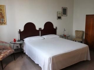 Casa del Falso Pepe - Camera dell' Abbraccio, Realmonte