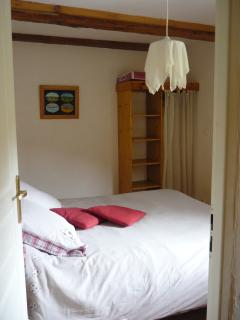 Chambre avec lit 2 personnes (Room with bed 2 people)