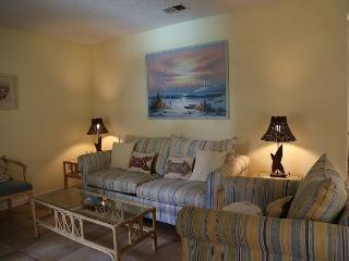 Ocean Reef 402 - close to town, Gulf Shores