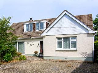 SILVRETTA, spacious detached cottage, family accommodation, near Amroth, Ref 260