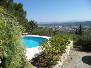 Apartment in villa with swimming pool, Draguignan