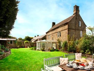 Elton Old Hall c1668 5* Luxury Holiday House in popular tourist location