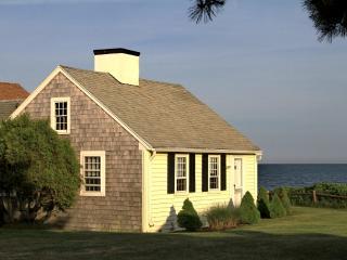 Dennis Seashores Cottage 19 Oceanfront - 4BR 2BA, Dennis Port