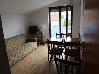 Apartmani Mila A1, Tisno