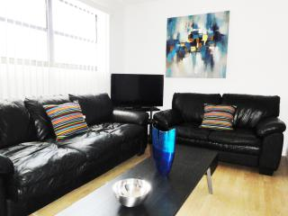 Ideally located in South Beach on Collins / 8th, Miami Beach