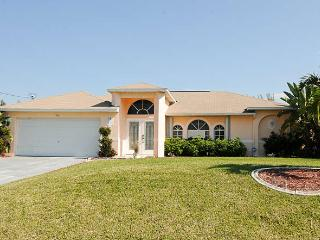 Villa Florida Feeling Cape Coral FL / SW Area 3/2  heated Pool