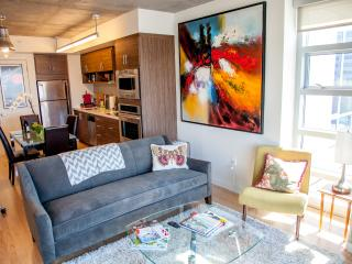 Dazzling 2bed / 2bath Penthouse with Parking, San Francisco