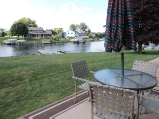 Cute 3 bedroom Home on Beautiful Coldwater Lake