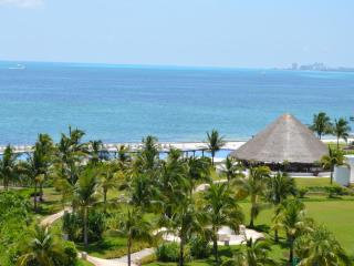 Summer promotion! Oceanside with spectacular views 2 bedroom condo in Cancun