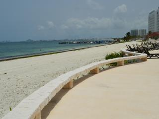 Amazing views: Oceanside with spectacular views 2 bedroom condo in Cancun