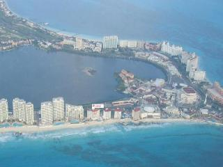 Big Monthly Discounts, Sweeping Ocean Views Cancun, Cancún