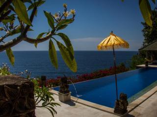 Villa Sarchi, Stunning Ocean Front Private Villa.