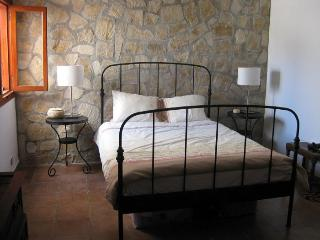 Main Bedroom also has a day bed - sleeps three