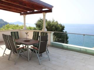 Ashley: Luxury sea-view apartment near Old Town, Dubrovnik