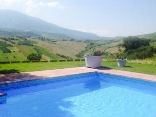 Villa di Stelle Abruzzo Pool WIFI Stunning Views Ask for great low season rates, Casoli