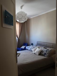 chambre 'bonne mère'bleue avec lit 160 CM-'bonne mère'blue bedroom with bed 160cm