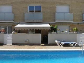 APARTMENT FRONT SEA SWIMMING POOL PRIVTE PARKING, Cubelles