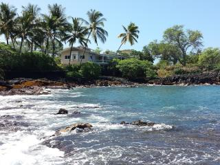 Lyman's Absolute Ocean Front Private Home for 12, Kailua-Kona