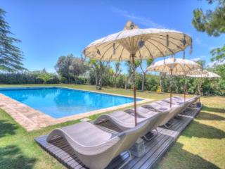 CAN PARÈS magical villa, sleeps 20 (25 with extra beds), near Sitges, BCN