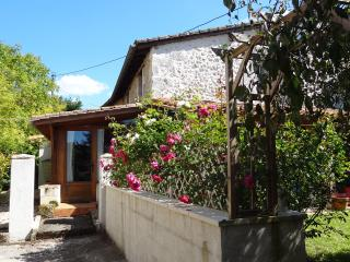 Chauffour Gites- La Porcherie holiday cottage, Allemans