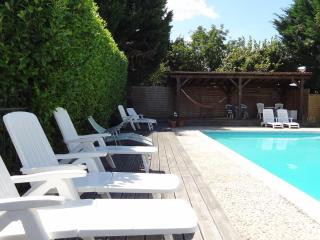 La Porcherie holiday gite for couples and families, Allemans