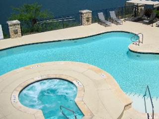 Beautiful Villa with Lake views at The Island