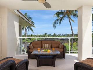 A304 Vista Waikoloa.  Spacious lanai with stunning island views!