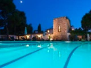 MASIA PAIRAL, Luxury Villa, sleeps 22 (26 with extra beds), near Sitges BCN