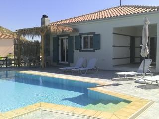 Villa Varkoula with private patio and pool