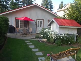 Red Roof Inn Cottage, Comox