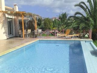 Villa Karavaki pool and pergola