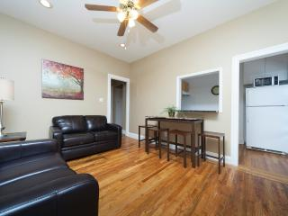 Sleeps 5! 2 Bed/1 Bath Apartment, , Awesome! (8492)