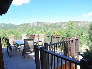 Beautiful 6BR ski-in ski-out access house on Snowmass mountain