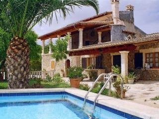 FARMHOUSE WITH PRIVAT POOL AND OWN ORCHARD, Ca'n Picafort