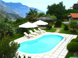 Villa with Pool in a Oasis of Little Paradise!, Sant'Agnello