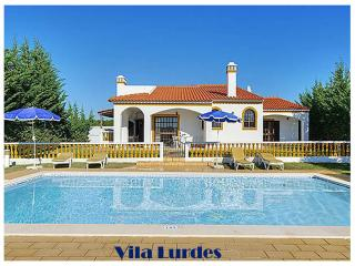Villa with three bedrooms, private swimming pool, near Galé and Salgados beach, Albufeira