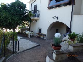 North Rome / Sabina  Apartment in Medieval Village