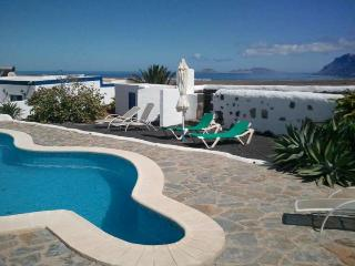 APARTMENT LADELINO IN FAMARA FOR 2P, Famara