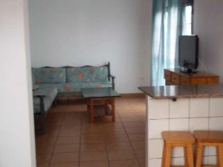 APARTMENT FAAITE IN FAMARA FOR 4 P, Famara